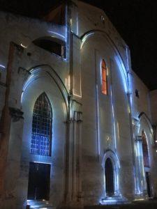 Hélios sur la façade des Célestins, août à Avignon