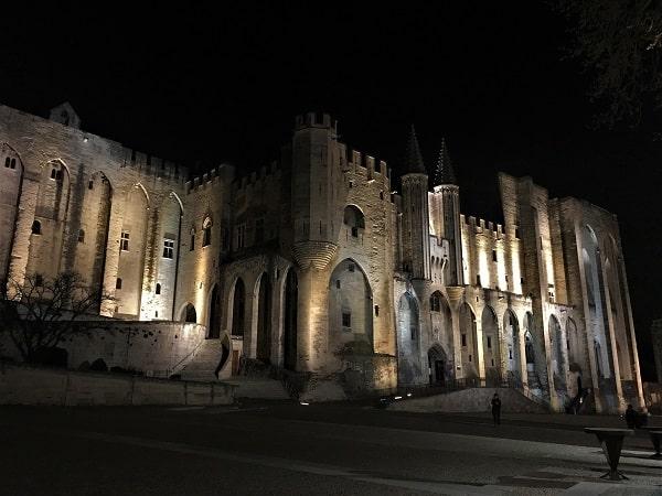 le palais des papes, a visiter à Avignon, pape