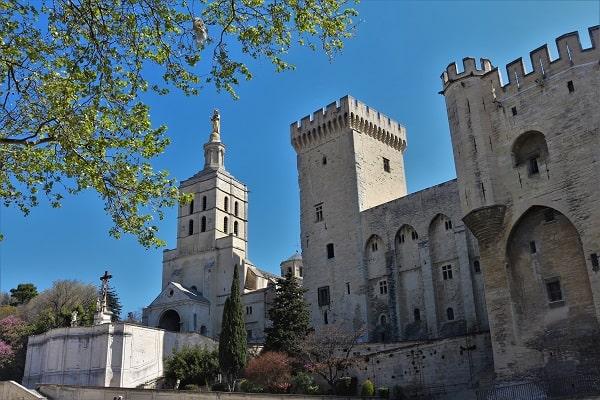 Visiter Avignon, Découvrir Avignon, circuits touristiques à Avignon