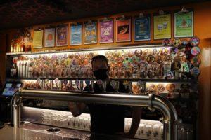 gilles, l'Explo, bar à bières à Avignon