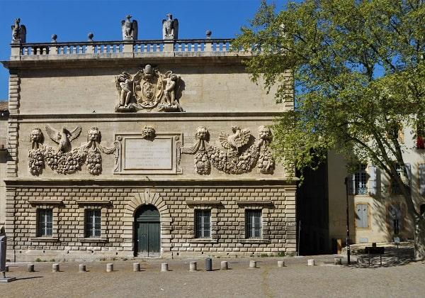 Farandole des places, visiter Avignon